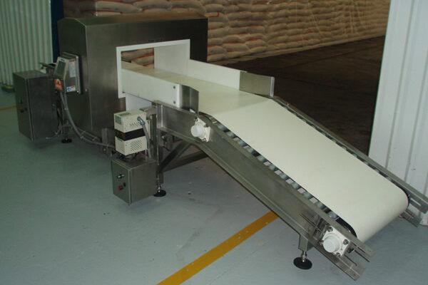 Detectores Metales Empaque Bolsas hasta 2 Kg y Sacos 50 Kg